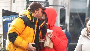 Voll verliebt: Emily Ratajkowski knutscht ihren Ehemann ab