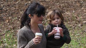 Super-Mama: Selma Blair bespaßt Söhnchen Arthur