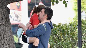 Hier kuschelt Fußball-Dad Ben Affleck mit Tochter Seraphina