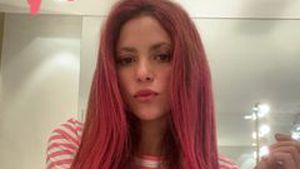 Glatt und pink! Shakira überrascht ihre Fans mit neuem Look