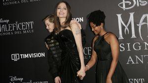 Unangemessen? Angelina Jolie kauft Kindern Spielzeugwaffe!