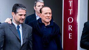 Silvio Berlusconi verlässt das Krankenhaus nach seiner Herzoperation