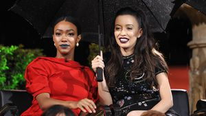 Sonequa Martin-Green und Christian Serratos