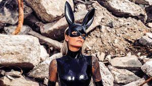 Latex-Bunny: So heiß verschickt Sophia Thomalla Ostergrüße