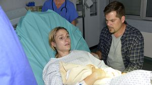 Sophie (Lea Marlen Woitack) und Leon (Daniel Fehlow)