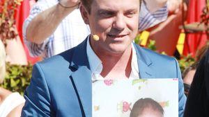 Stolzer Papa: Stefan Mross zeigt 1. Foto von Baby Valentin