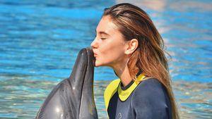 Stefanie Giesinger in einem Delfinarium in Dubai