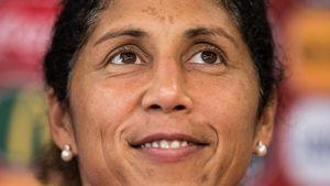 Ex-DFB-Trainerin Steffi Jones: Frau half ihr aus Lebenskrise