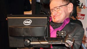 "Stephen Hawking bald ein ""James Bond""-Bösewicht?"