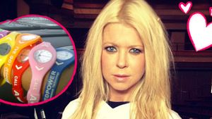 Fan-Girl: Tara Reid zeigt ihre Jedward-Bänder!