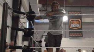 WWE-Fotobeweis aus den USA: Tim Wiese ist Wrestler!