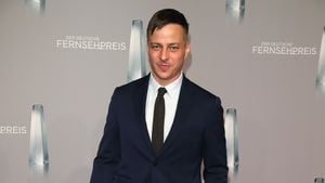 """Game of Thrones""-Tom Wlaschiha prügelt sich grün & blau!"
