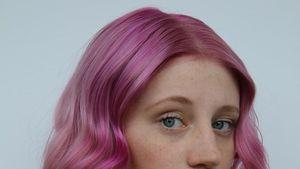 Huch! Ex-GNTM-Kandidatin Trixi hat jetzt pinkfarbene Haare