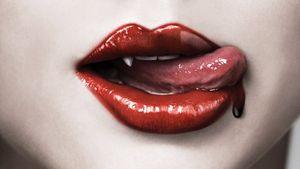 Die Vampirserie True Blood kommt & alle sehen rot