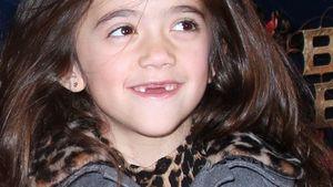 Mini-Diva mit Zahnlücke: Wer ist dieses süße Kind?