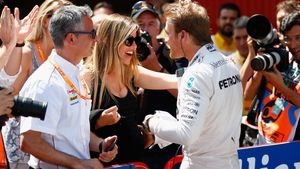 Nico Rosberg: Hochschwangere Vivian strahlt auf Rennstrecke