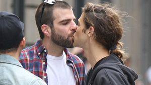 Romantisch! Zachary Quinto küsst seinen Miles