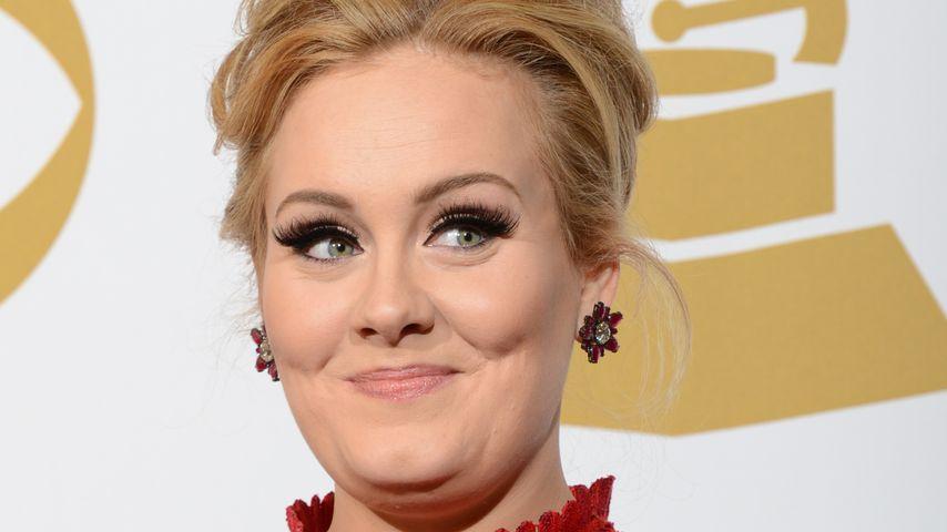 """""""Ängstlich!"""": Adele feiert Premiere als Show-Moderatorin"""