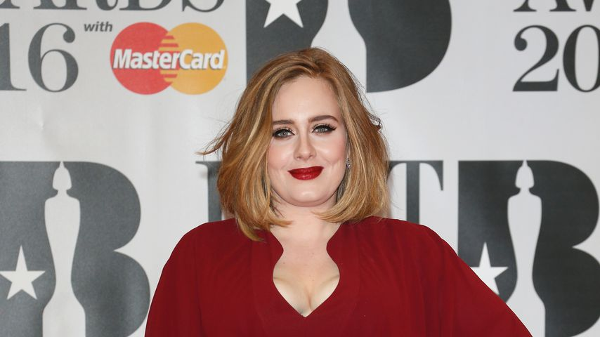 Adele bei den BRIT Awards 2016