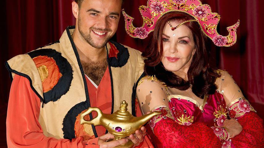 Aladdin - Milton Keynes Theatre in England