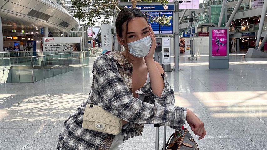 Alex Mariah am Flughafen
