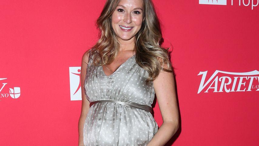 Baby-Glück: Alexa Vega verzückt mit kugelrundem Bauch!
