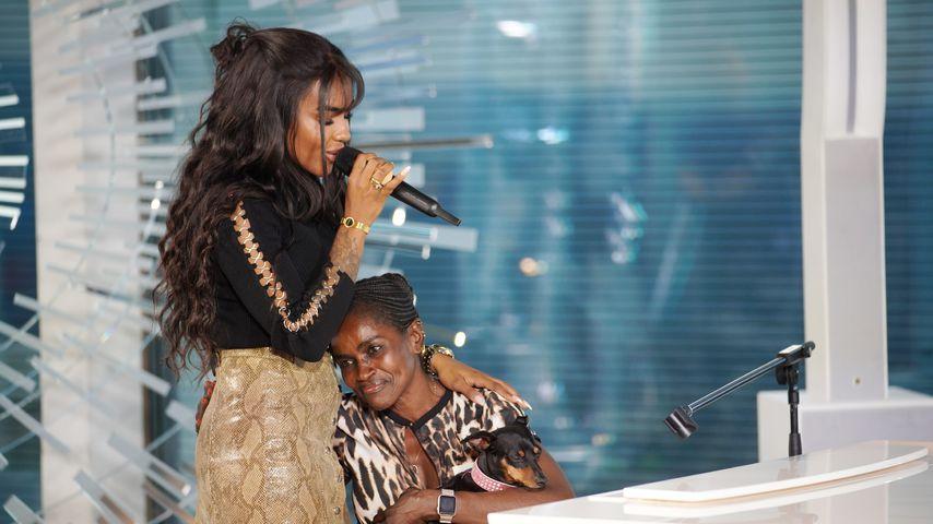 DSDS-Kandidatin Alicia-Awa Beissert mit ihrer Mutter Hadizeton