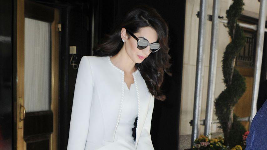 Von wegen Baby: Amal Clooney im hautengen Dress unterwegs!