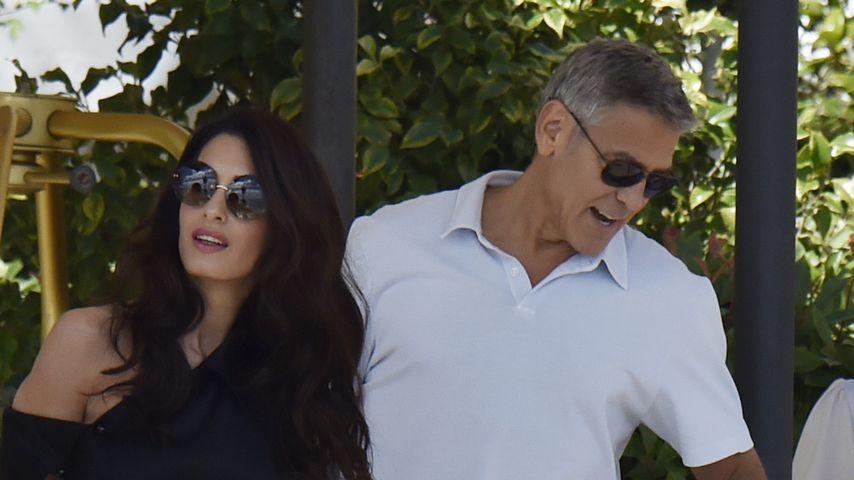 Amal und George Clooney mit den Kindern in Venedig