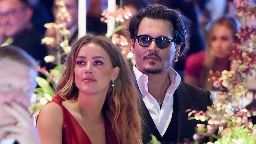 Johnny Depp: Zerschmetterte ihm Ex Amber Heard Mittelfinger?