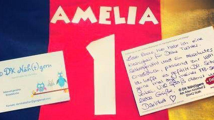 Nr. 1: Amelia Stark fiebert im eigenen WM-Trikot