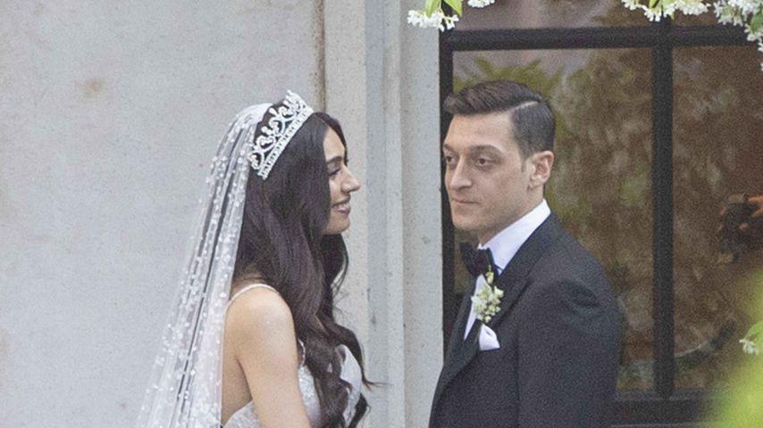 Amine Gülse und Mesut Özil beim Fotoshooting nach ihrer Hochzeit