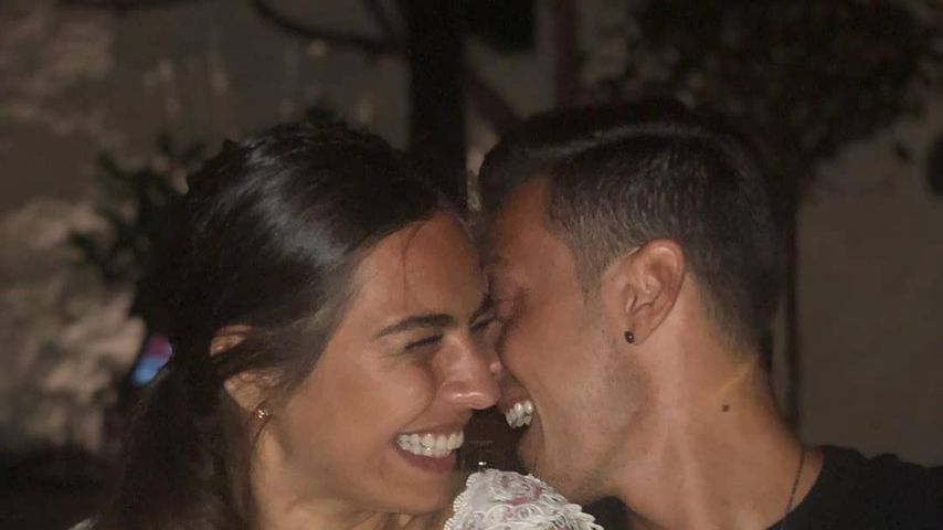 So verliebt! Mesut Özil feiert seinen ersten Hochzeitstag