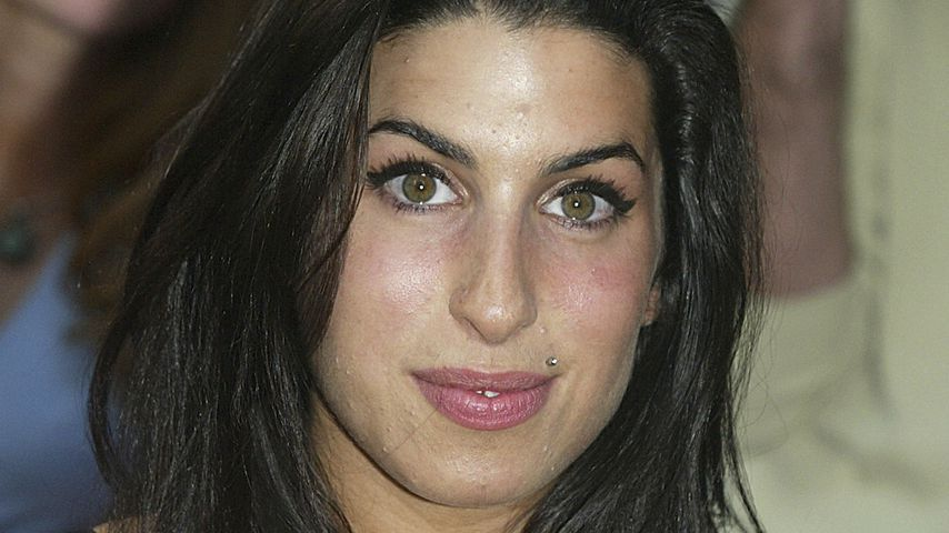 Amy Winehouse, 2004