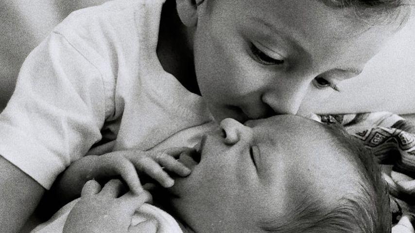 Anacã und Ariel Nicoli, Söhne von Candice Swanepoel