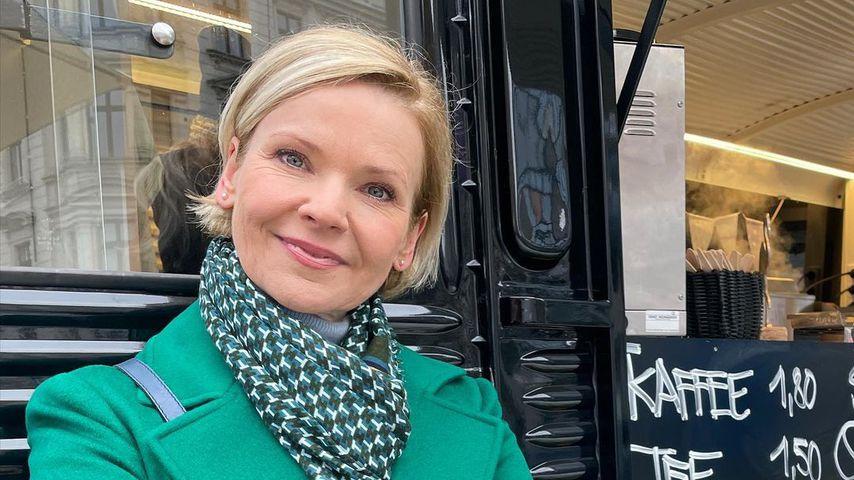 TV-Star Andrea Kathrin Loewig passte geradeso ins Brautkleid