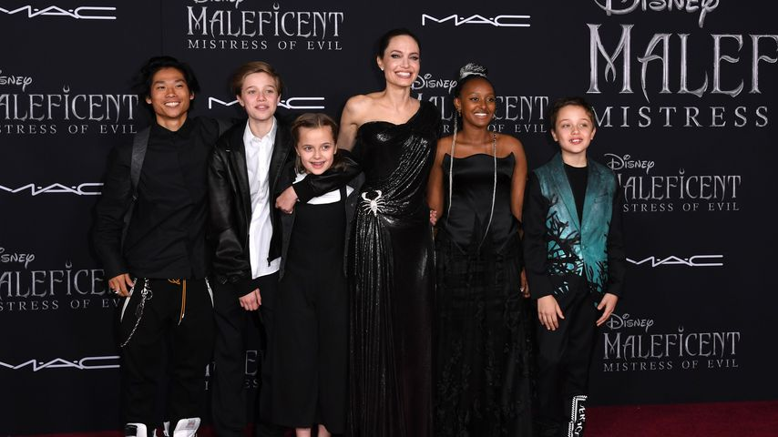 Angelina Jolie mit ihren Kindern Pax, Shiloh, Vivienne, Zahara und Knox