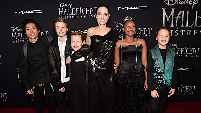 """Angelina Jolie mit ihren Kindern auf der """"Maleficent""""-Weltpremiere im September 2019"""
