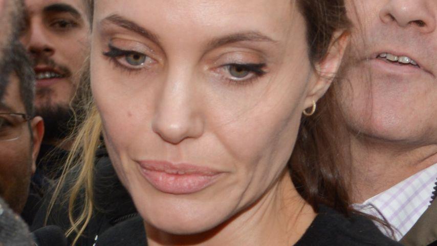 Angelina Jolie im März 2016 bei dem Besuch eines Flüchtlingslagers in Griechenland
