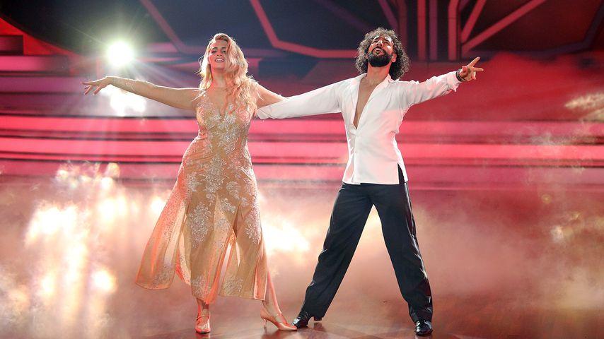 """Angelina Kirsch und Massimo Sinató bei ihrem Freestyle in """"Let's Dance""""-Show neun"""