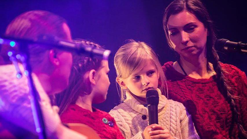 Angelo Kelly mit Frau & Kids: Erster Band-Auftritt im Knast!