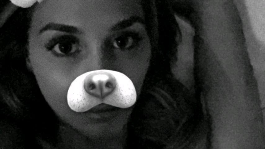 Ann-Kathrin Brömmel mit einem Snapchat-Filter