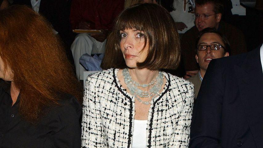 Anna Wintour bei der Tommy Hilfiger Modenschau in New York, 2002