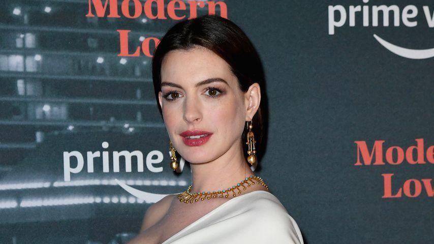 """Anne Hathaway bei der Premiere von """"Modern Love"""""""