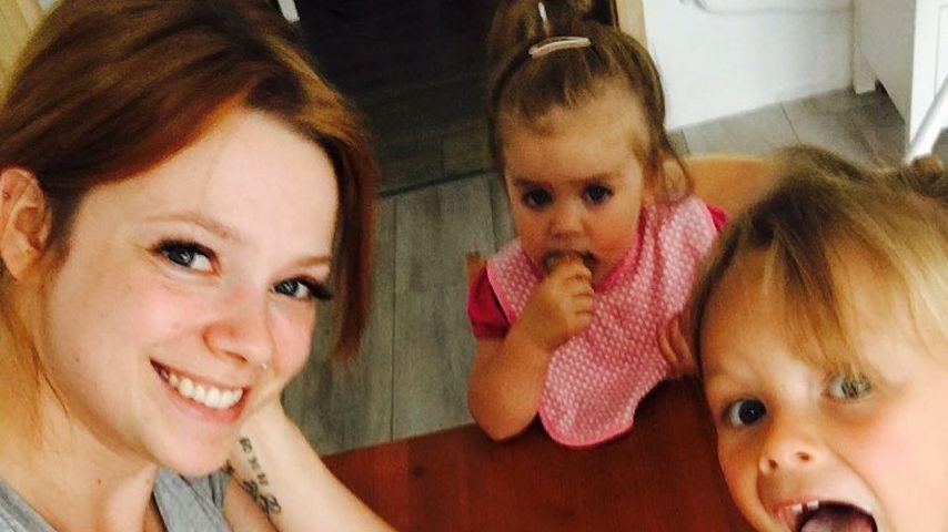 Anne Wünsche mit ihren Töchtern Juna und Miley