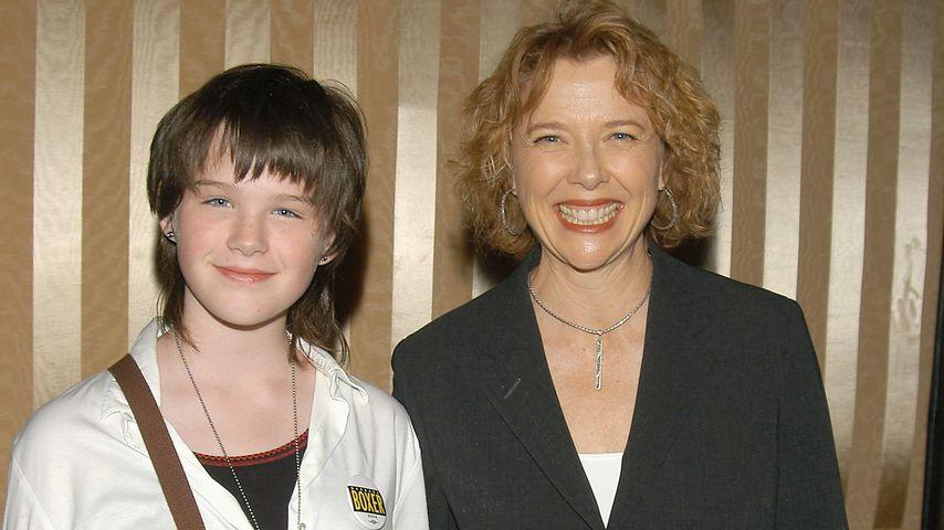 Annette Bening und ihre Tochter Kathlyn 2004
