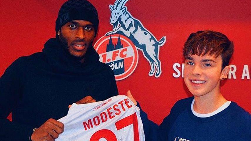 Fan-Liebe: Teenieschwarm Mike Singer trifft Bundesliga-Star!