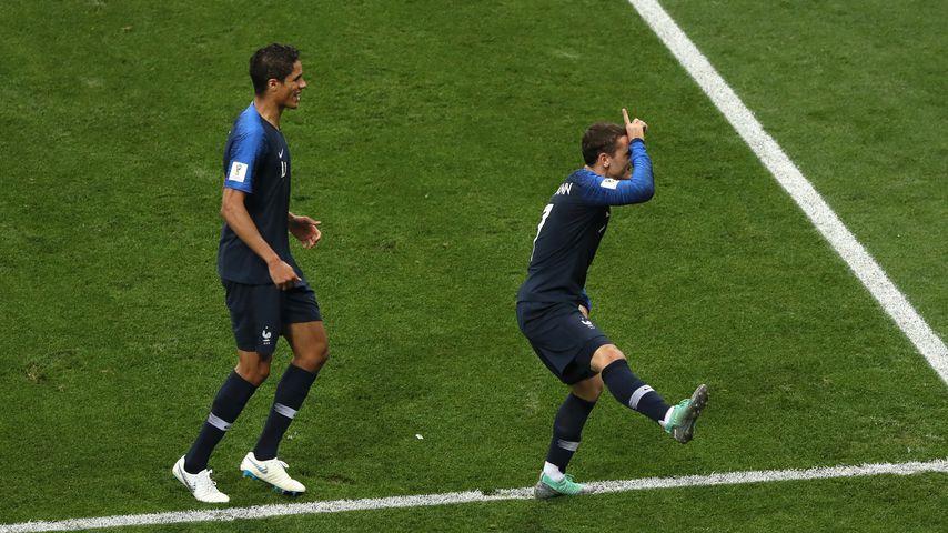 Antoine Griezmann (r.) nach seinem Elfmetertor im WM-Finale