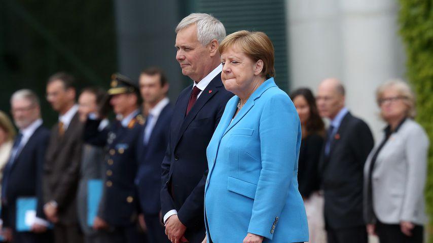 Sorge um Angela Merkel: Schon wieder heftiger Zitteranfall!