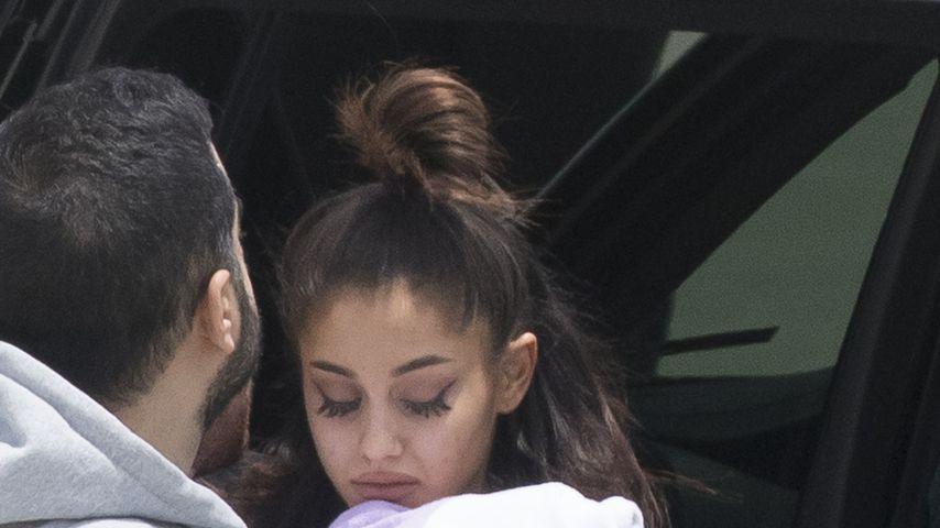 Ariana Grande am Flughafen in Florida einen Tag nach dem Anschlag in Manchester